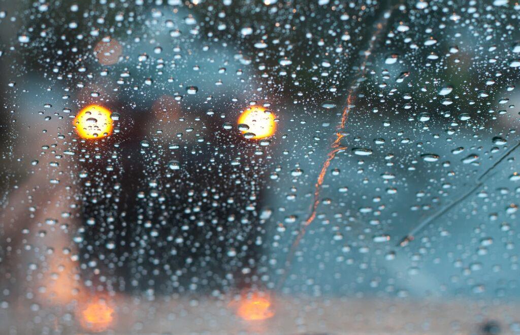 Hazard lights during rain in Florida