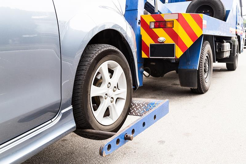 Roadside Emergencies: Prevention & Preparedness